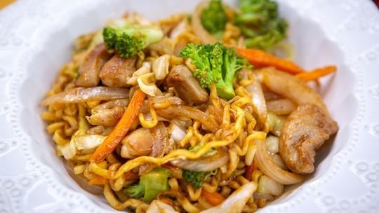 O que cozinhar no almoço? Confira 10 opções baratas, fáceis e rápidas