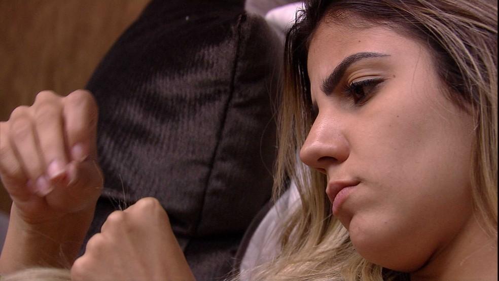 Hariany está com medo da opinião do público — Foto: TV Globo
