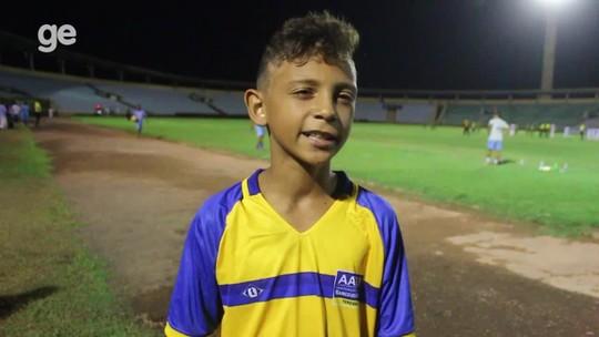 """Atacante entra pela 1ª vez em estádio, perde por 6 a 0 e se sente feliz: """"Não posso fazer nada"""""""