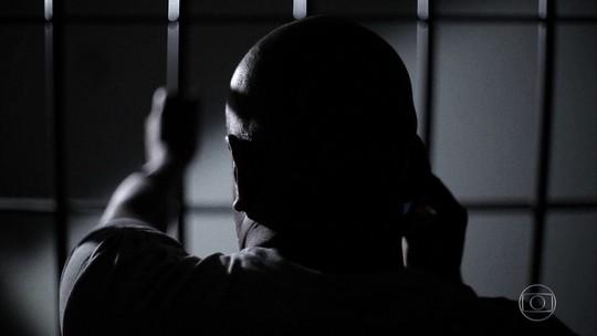 Golpes aplicados de dentro da cadeia levam a prejuízo de até R$ 300 mil