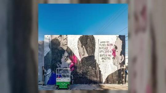 Grafite de artista brasileira é censurado por policiais em Miami