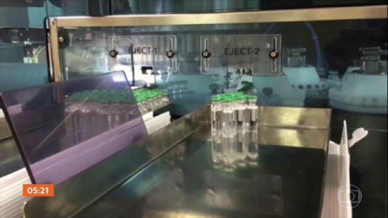 Vacinas produzidas na Índia estão programadas para chegar ao RJ no sábado