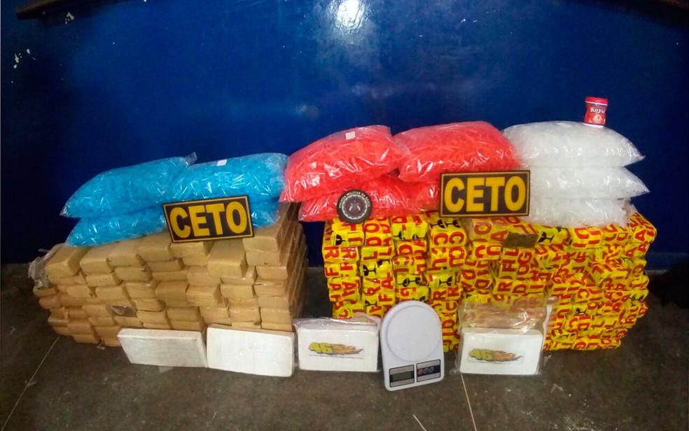 Mais de 130 kg de drogas foram apreendidas em Itabuna (Foto: Polícia Militar)
