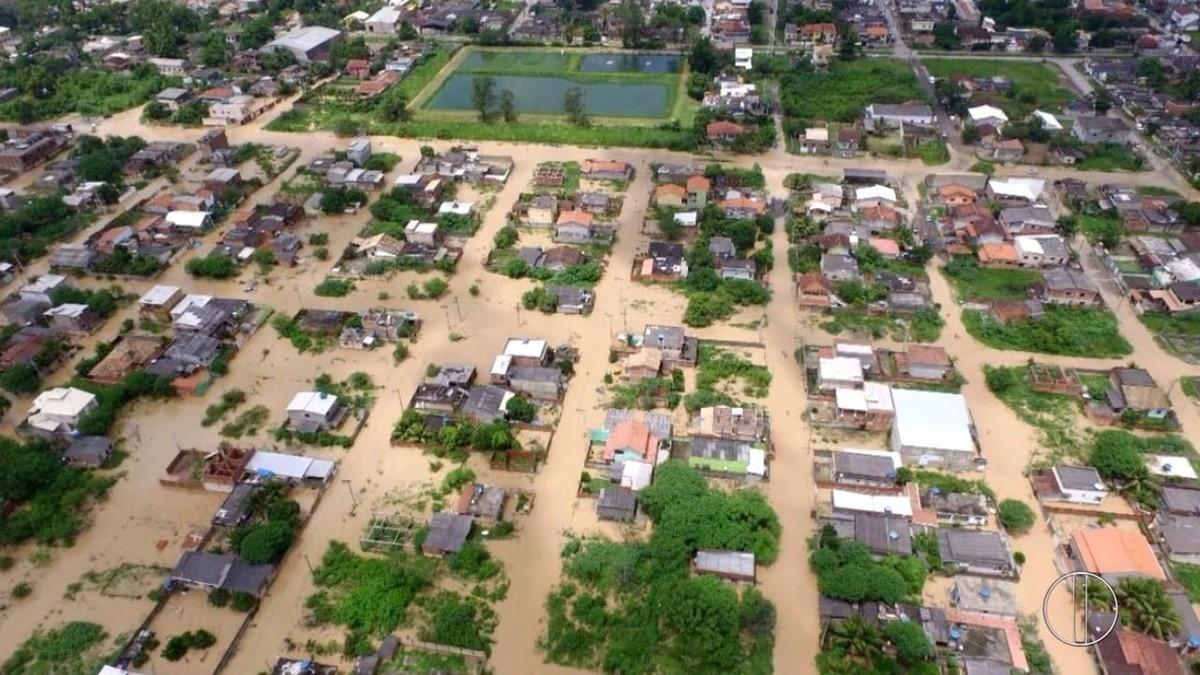 Veja imagens de áreas alagadas em cidades da Região dos Lagos