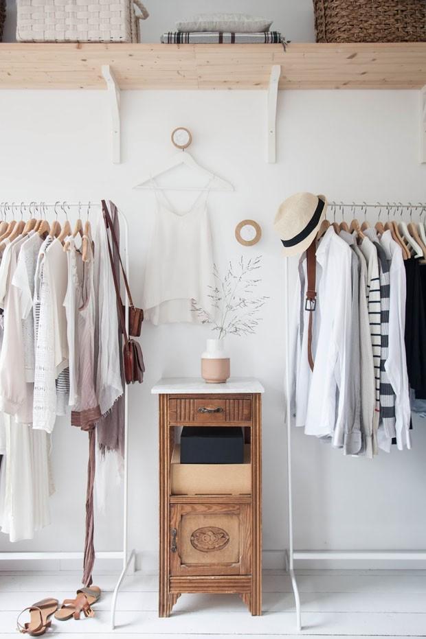 Décor do dia: closet diferente em cores neutras (Foto: Reprodução/Divulgação)