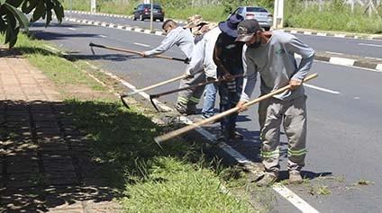 Prefeitura intensifica Campanha 'Calçada Limpa'