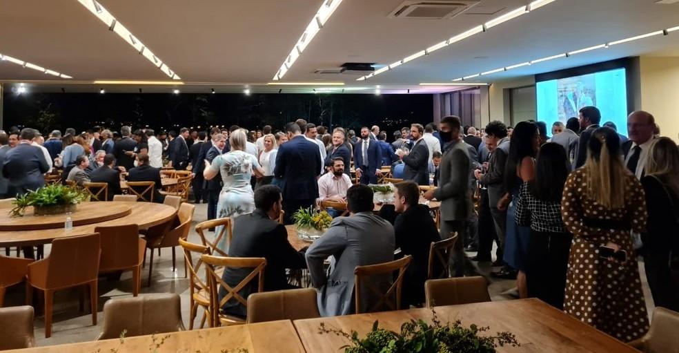 Parlamentares e convidados participam de festa após vitória de Arthur Lira em eleição para presidir a Câmara — Foto: Arquivo pessoal