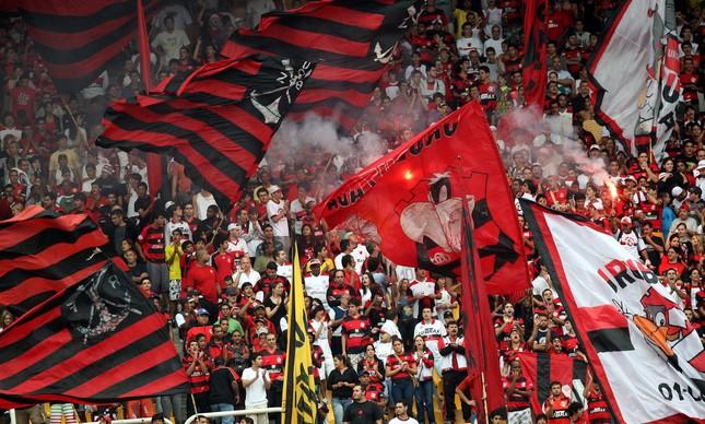 Torcida do Flamengo em jogo no Maracanã em 2008
