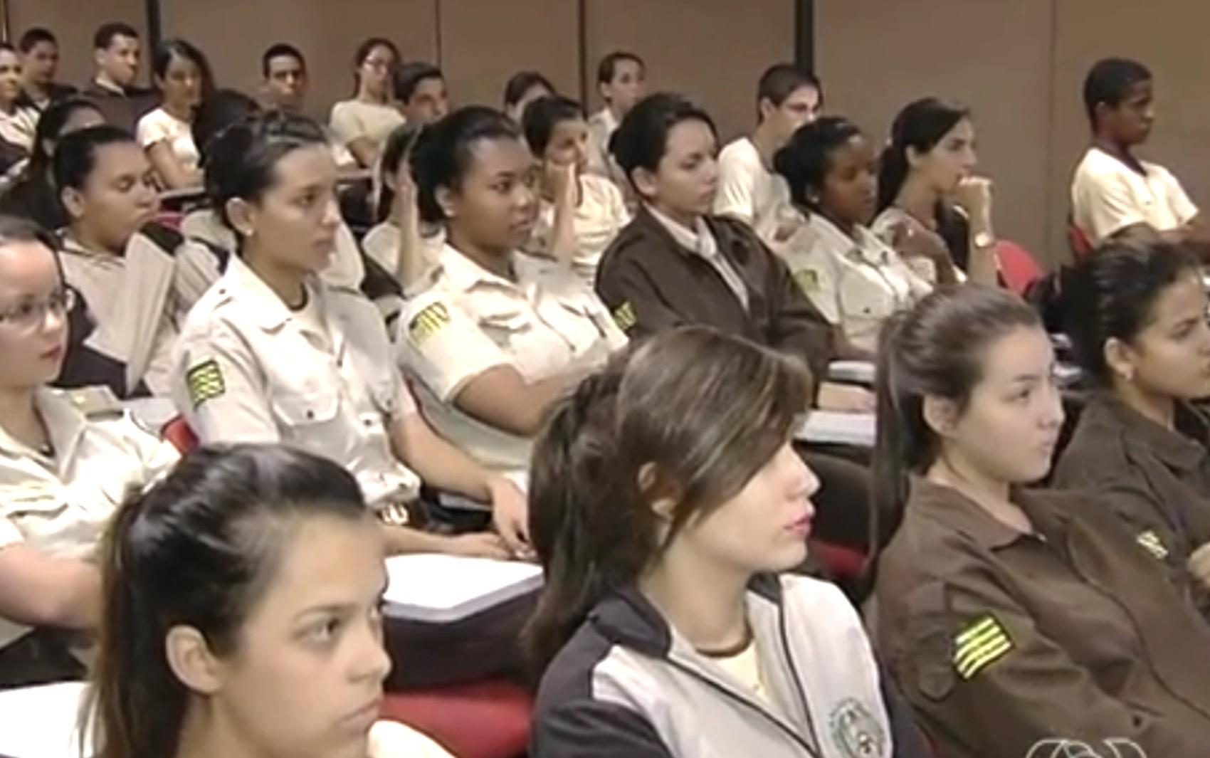 Abertas as inscrições para 5,6 mil vagas em colégios militares de Goiás; veja edital