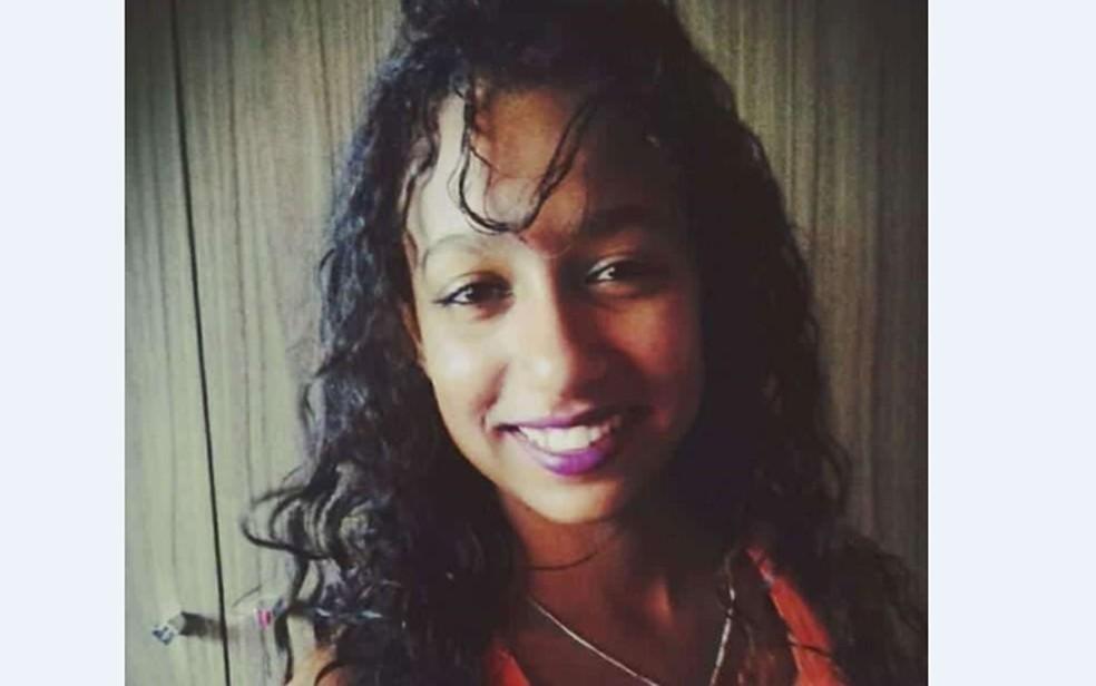 Lorena Almeida dos Anjos, de 18 anos, foi achada morta em fazenda no extremo sul da Bahia — Foto: Redes sociais