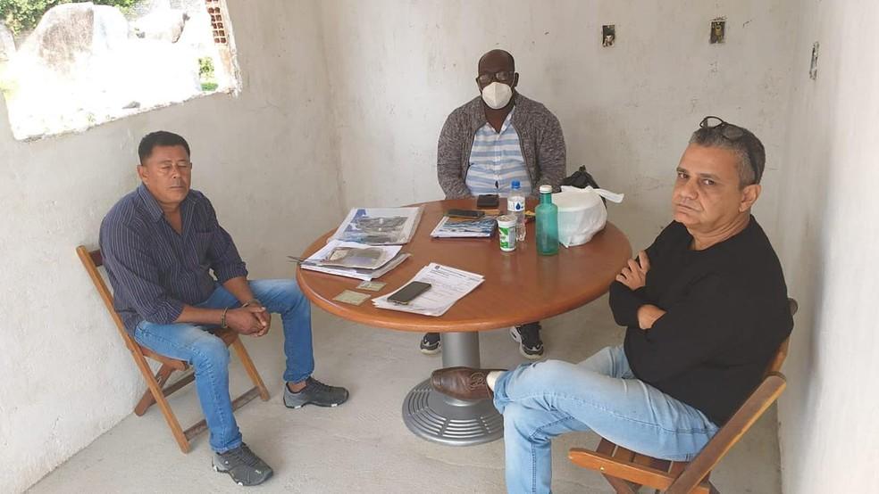 Jasiel e outros dois corretores da milícia foram presos pela policia em Campo Grande — Foto: Reprodução/Arquivo Pessoal