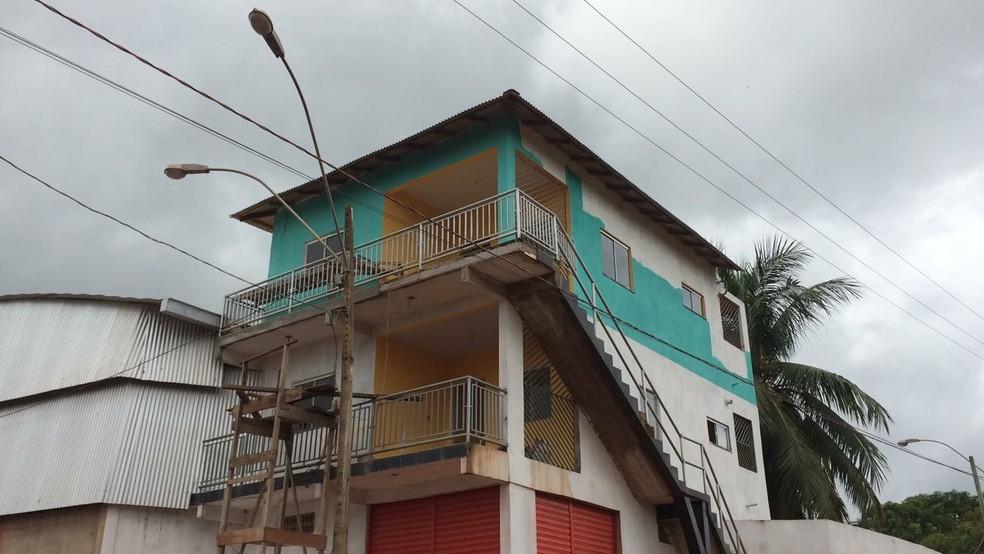 Casa onde o jovem estava trabalhando no ramal da comunidade Diamantino (Foto: Adonias Silva/G1)