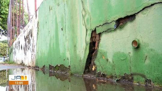 Quadra de esportes é abandonada na região sul de Palmas; veja vídeo