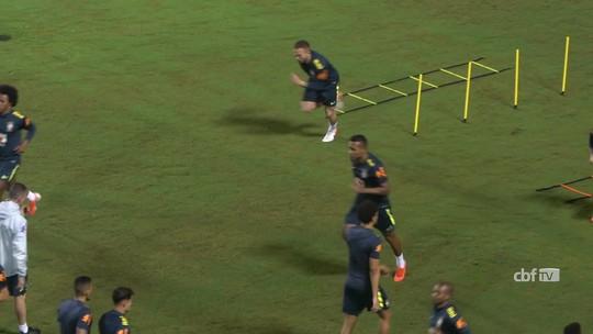 No último treino antes de pegar a Venezuela, Tite confirma volta de Arthur na Seleção