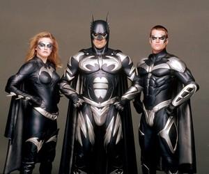 George Clooney admite ter 'f***** tudo' como Batman e que não o deixam passar nem perto de set de filmes de super-heróis