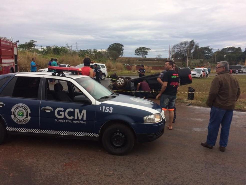 Pista estava molhada no momento do acidente (Foto: Santa Albertina Notícias )