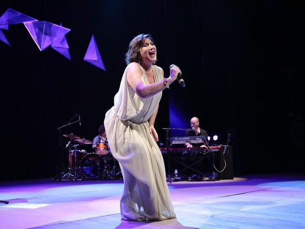 Zizi Possi em show em São Paulo (Foto: Rafael Cusato/ Brazil News)