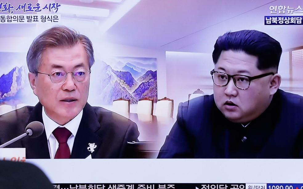 O presidente da Coreia do Sul, Moon Jae-in, e Kim Jong-un vão se encontrar nesta sexta-feira (Foto: AP Photo/Lee Jin-man)