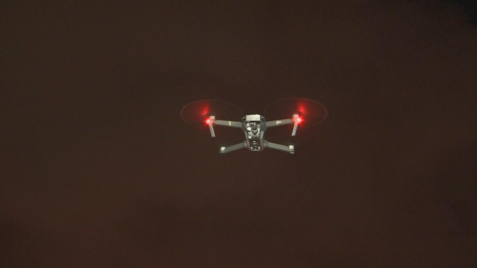 Criminosos usam drones para vigiar a comunidade e movimentação da polícia  — Foto: Manoel Neto/ TV Gazeta