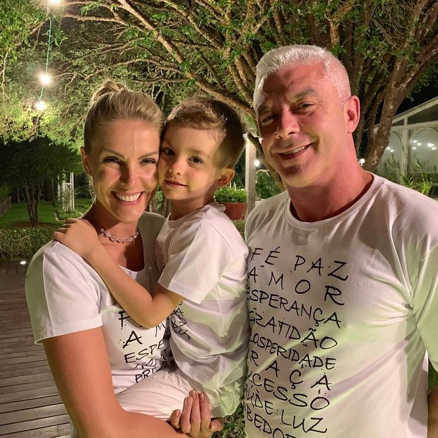 Ana Hickmann e Alexandre Corrêa, com o filho, Alexandre Jr (Foto: Reprodução)