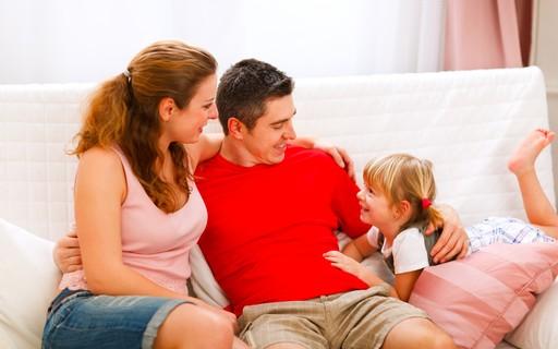 Desfralde: Como tirar o mau cheiro de sofás, colchões e estofados