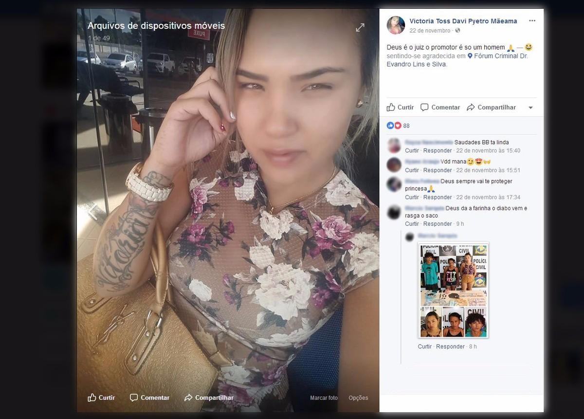 Suspeita de tráfico volta para cadeia em RR horas depois de comemorar liberdade com selfie no Facebook