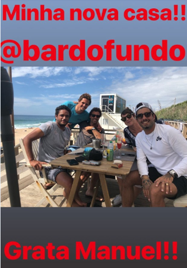 Luana Piovani e Pedro Scooby com amigos em Portugal (Foto: Reprodução)