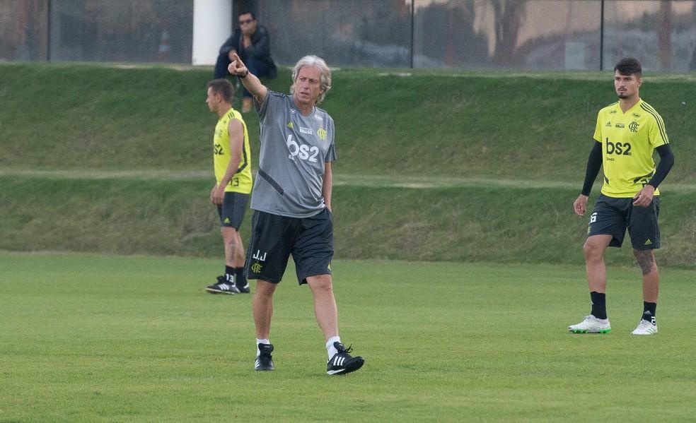 Jorge Jesus j falou publicamente do desejo de contar com mais um centroavante  Foto Alexandre Vidal  Flamengo