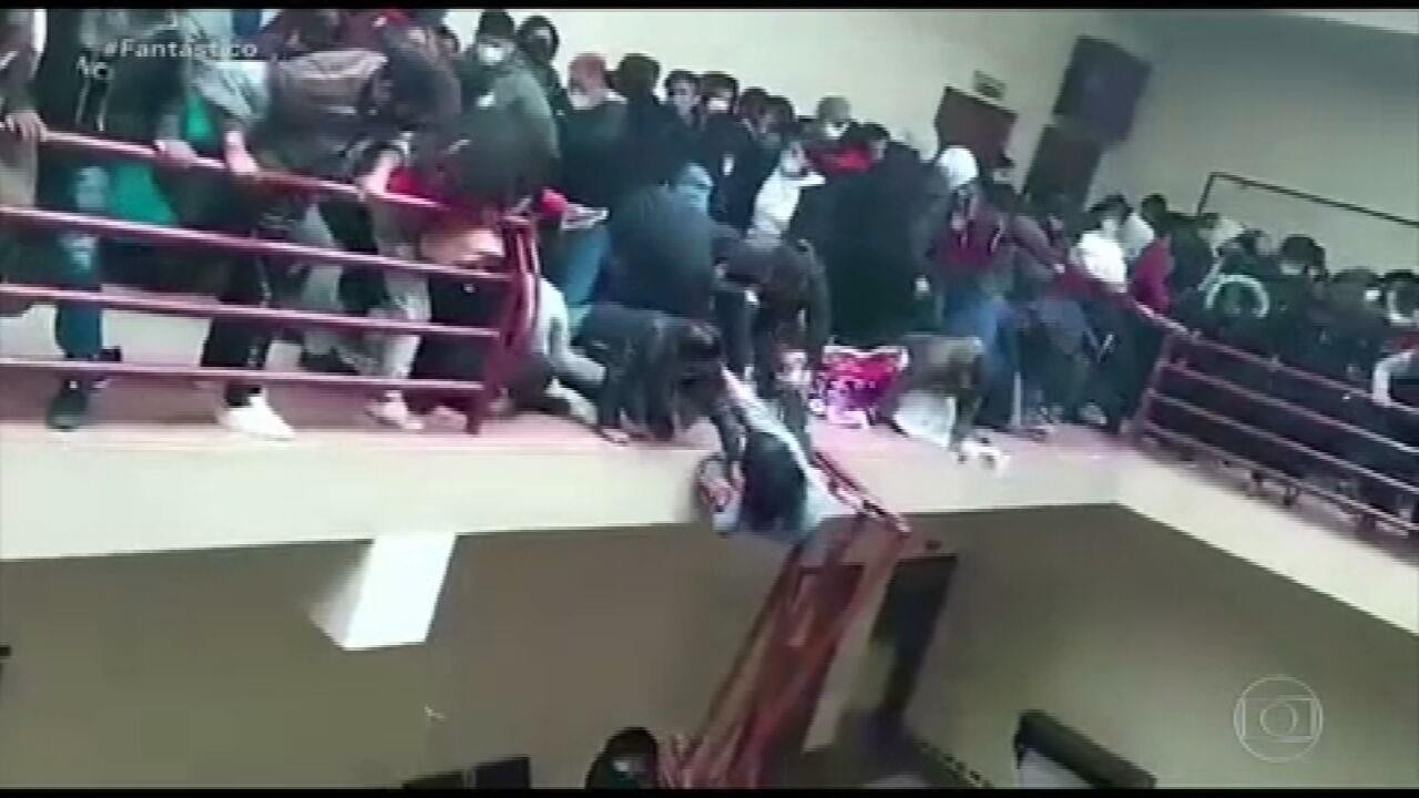 VÍDEO: parapeito cede em universidade da Bolívia e sete estudantes morrem