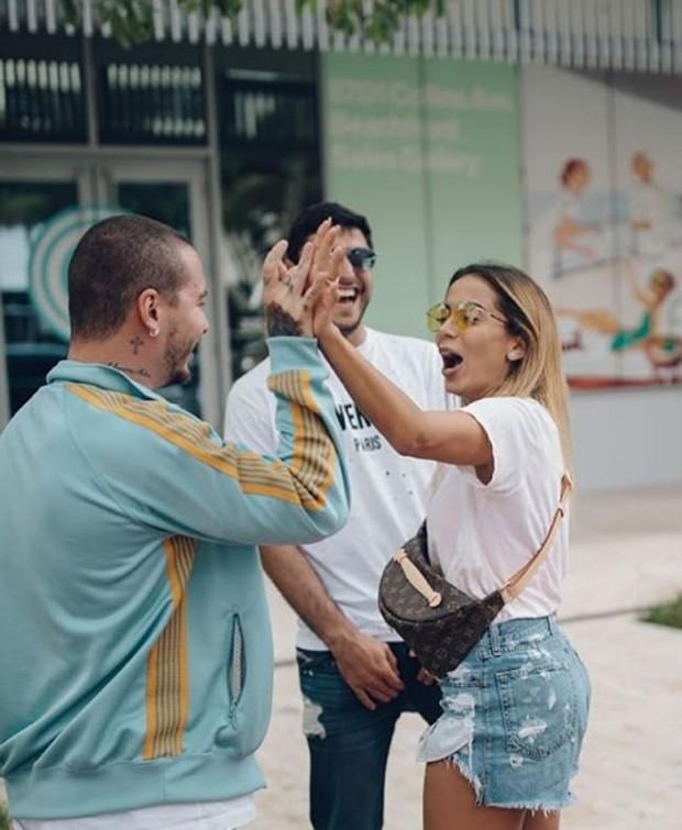 Anitta e Thiago Magalhães com J Balvin (Foto: Reprodução / Instagram)