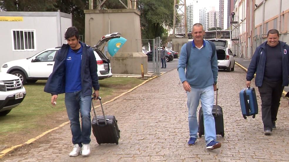 Paraná embarcou para o jogo contra o Atlético-MG na última sexta-feira. Clima ainda era bom (Foto: Jairton Conceição/RPC)