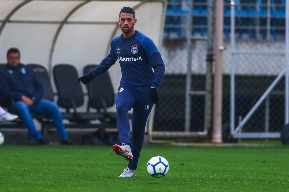 Michel está recuperado, mas ainda não voltou a jogar (Foto: Lucas Uebel / Grêmio F.B.P.A.)