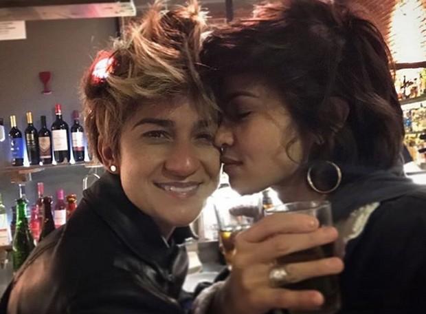 Nanda Costa e a namorada (Foto: Reprodução / Instagram)