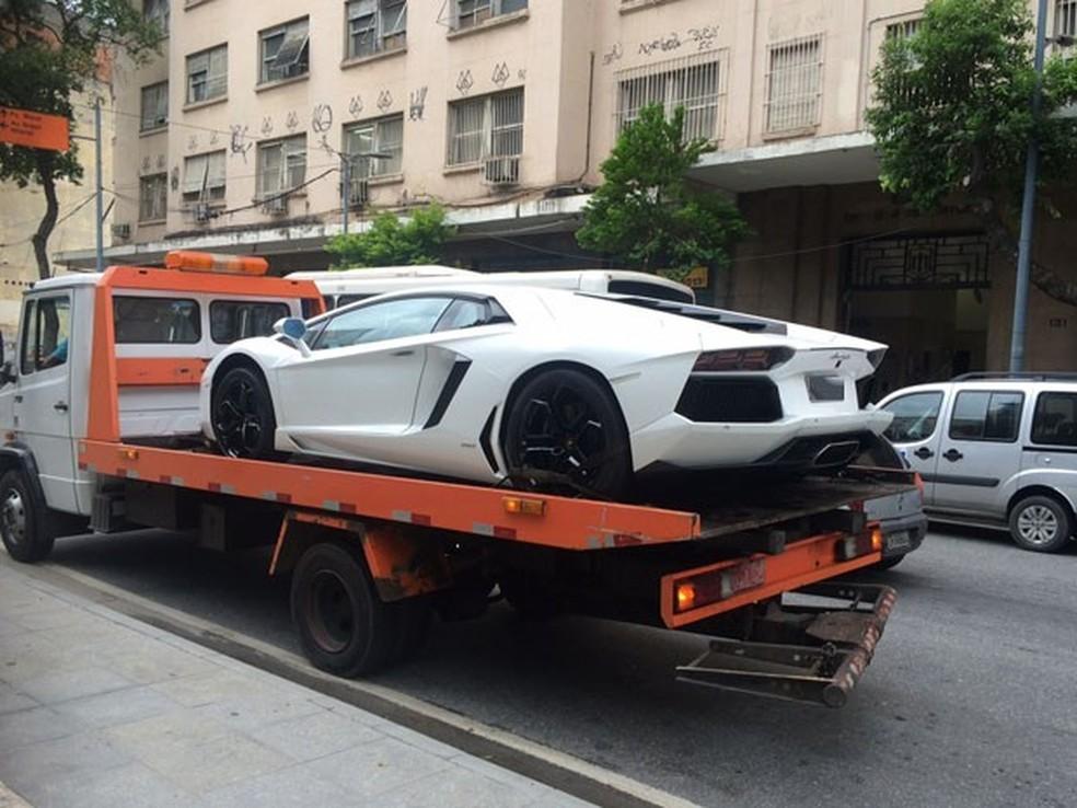 Lamborghini Aventador foi um dos carros apreendidos de Eike. — Foto: Henrique Coelho/G1