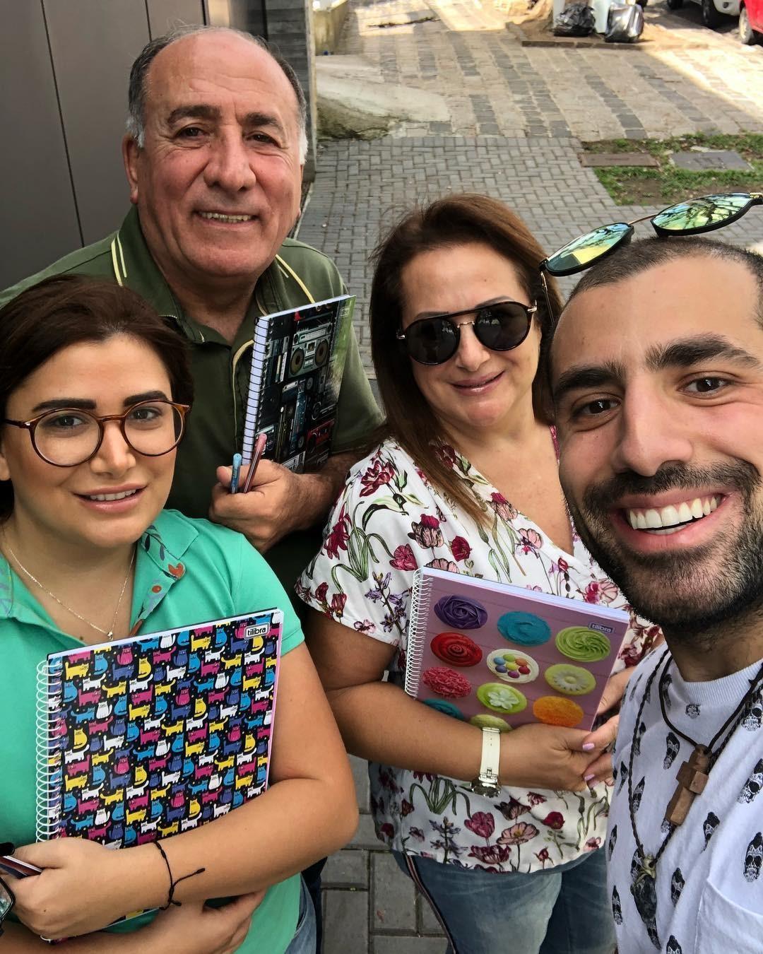 Ex-BBB Kaysar e família (Foto: Reprodução / Instagram)