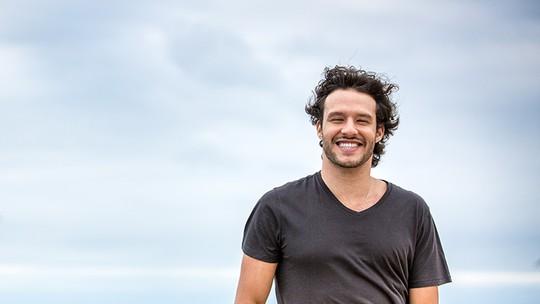 Nando Rodrigues fala sobre vida amorosa no 'Estrelas': 'Estou namorando o meu trabalho'
