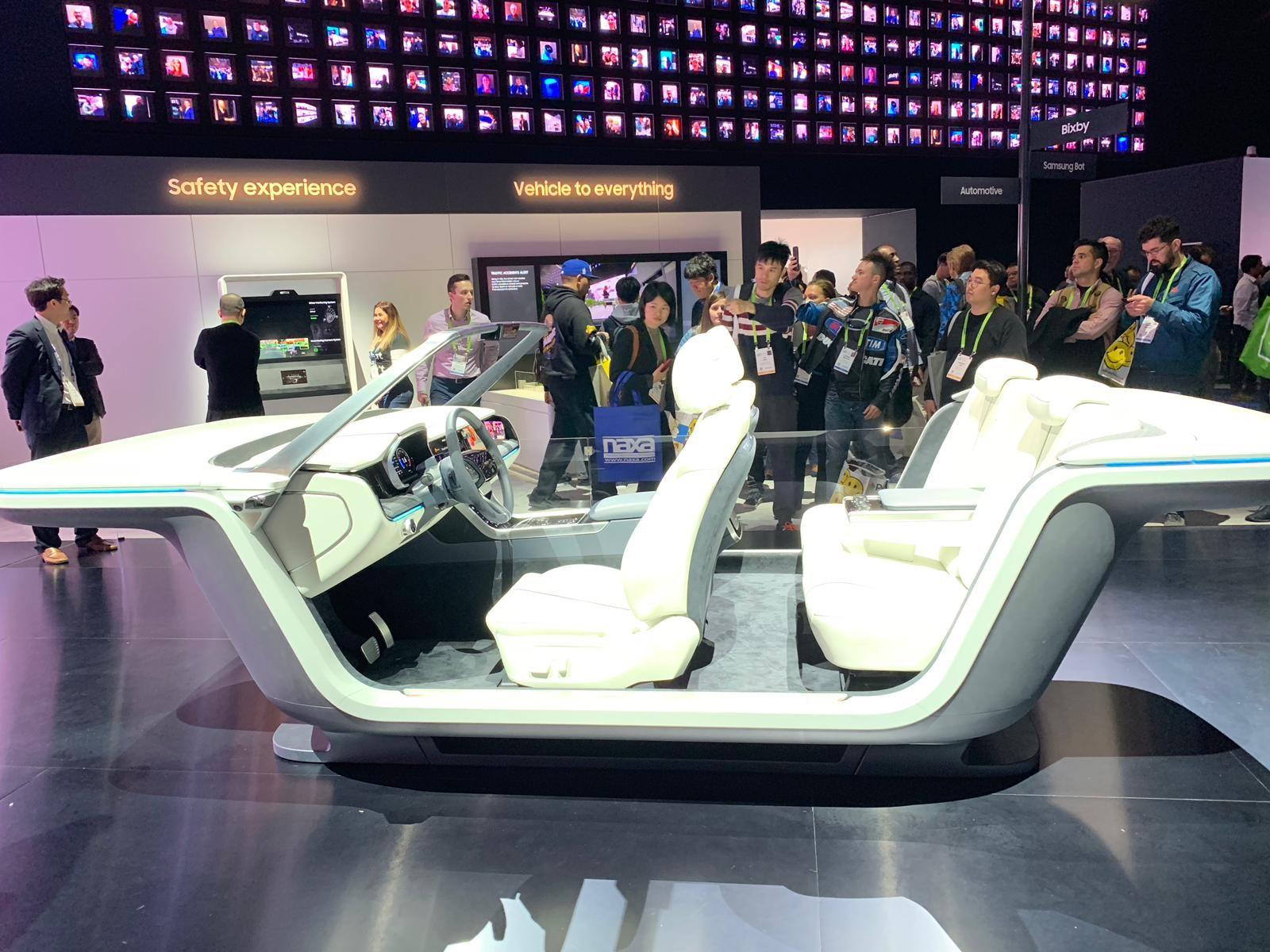 Stand da Samsung durante a CES 2019 mostra conceito de carro autônomo da empresa (Foto: Natasha De Caiado Castro)