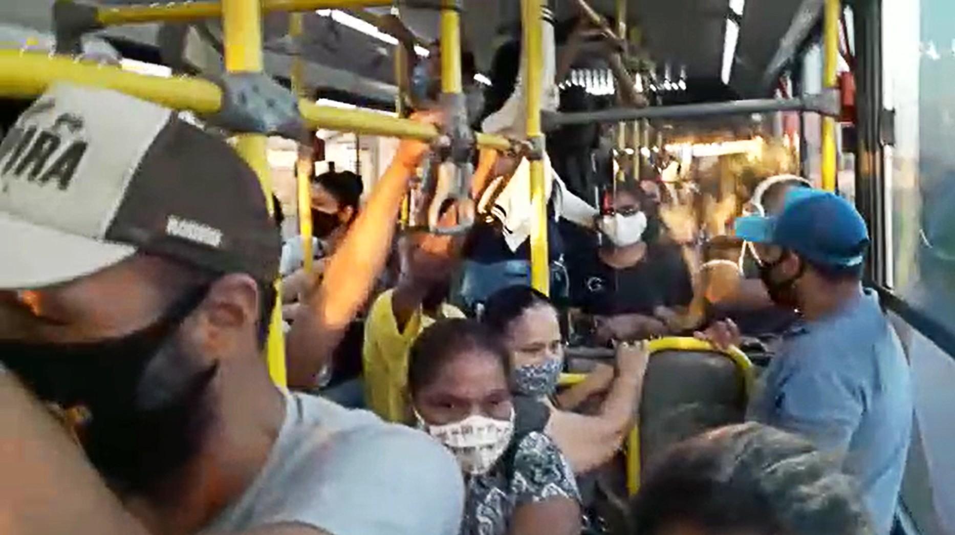Lotação em ônibus é registrada após atraso em saída do transporte coletivo urbano de Presidente Prudente