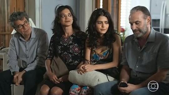 Família de Laila sofre preconceito na casa da prima Rania em 'Órfãos da Terra'