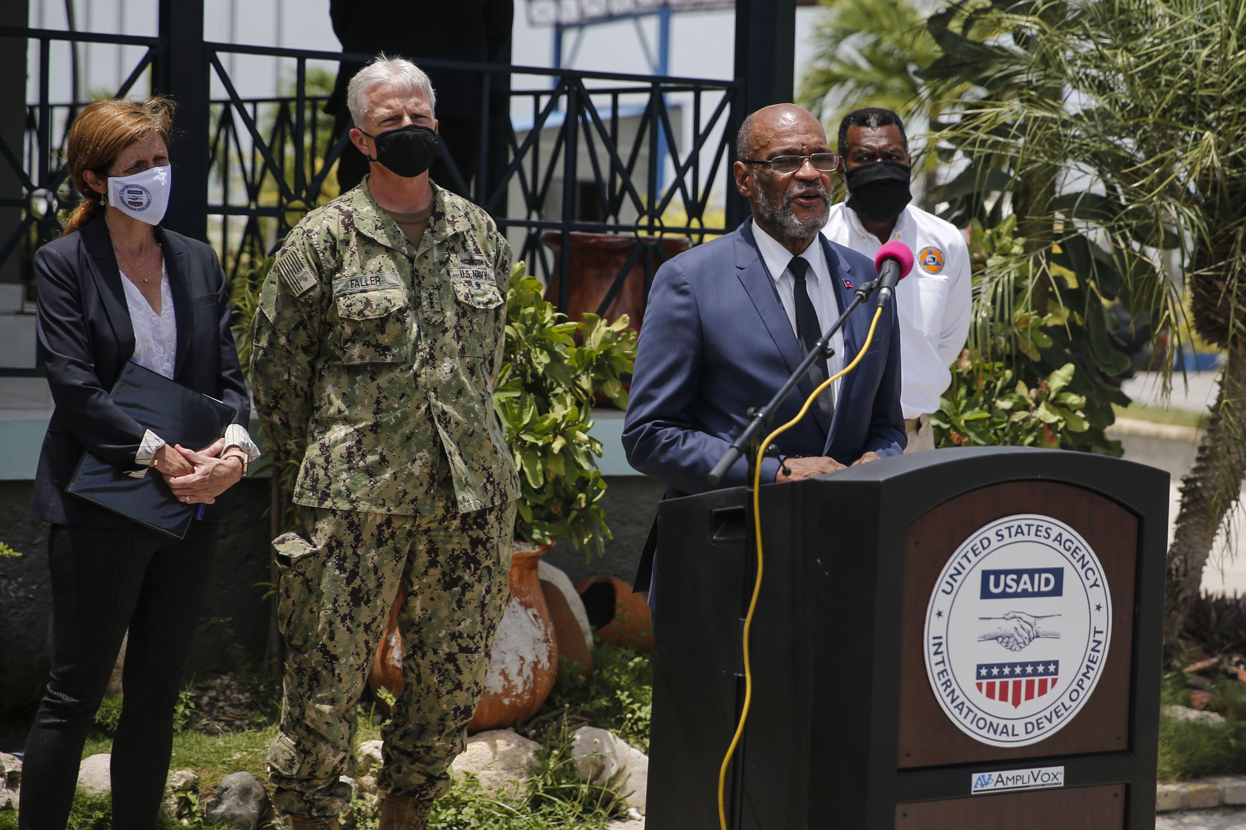 Suspeito de relação com assassinato de presidente, premiê do Haiti substitui ministro da Justiça