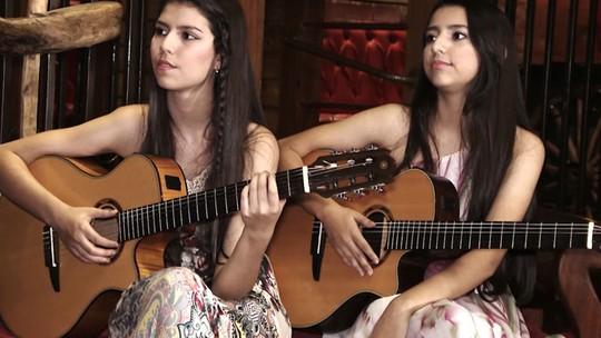 Lorena e Rafaela falam sobre a alegria de Carlinhos Brown nos bastidores do 'The Voice Kids'