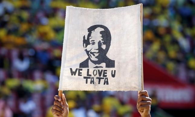 Homenagem a Mandela, também chamado de Tata, durante campanha eleitoral na África do Sul, semana passada