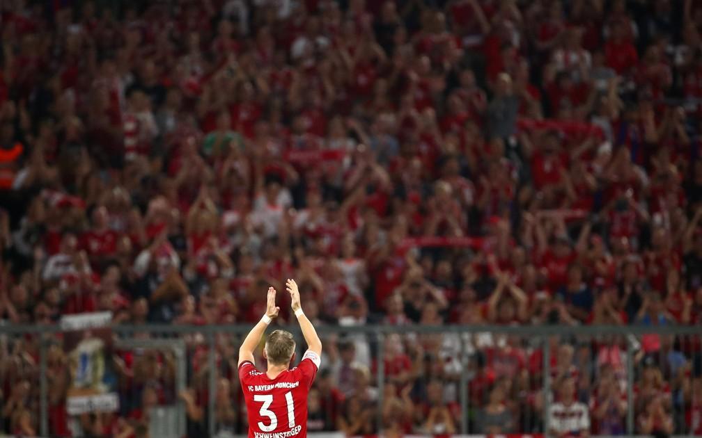 Schweinsteiger homenagem Bayern Chicago Fire (Foto: Reuters)
