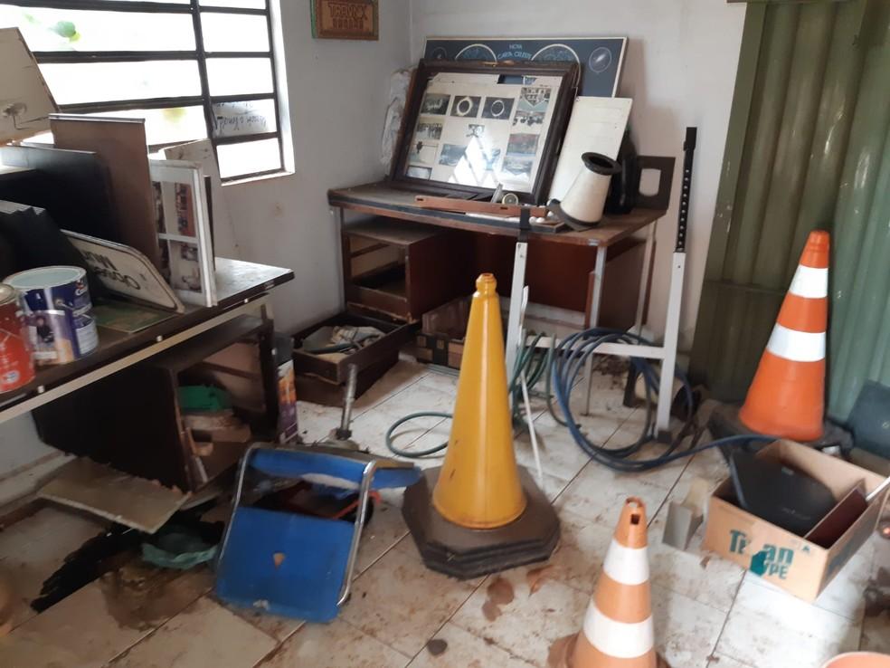 Observatório de Piracicaba por dentro após abandono— Foto: Edijan del Santo