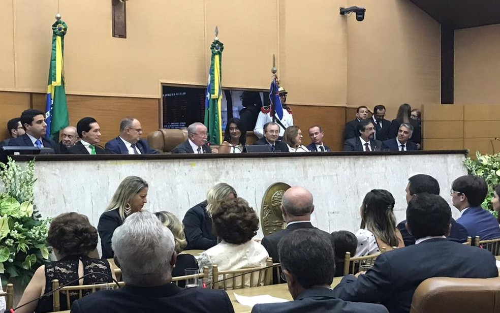 Presidente da Alese, Luciano Bispo, discursou ao lado da vice-governadora Eliane Aquino — Foto: Gustavo Rodrigues/G1 SE