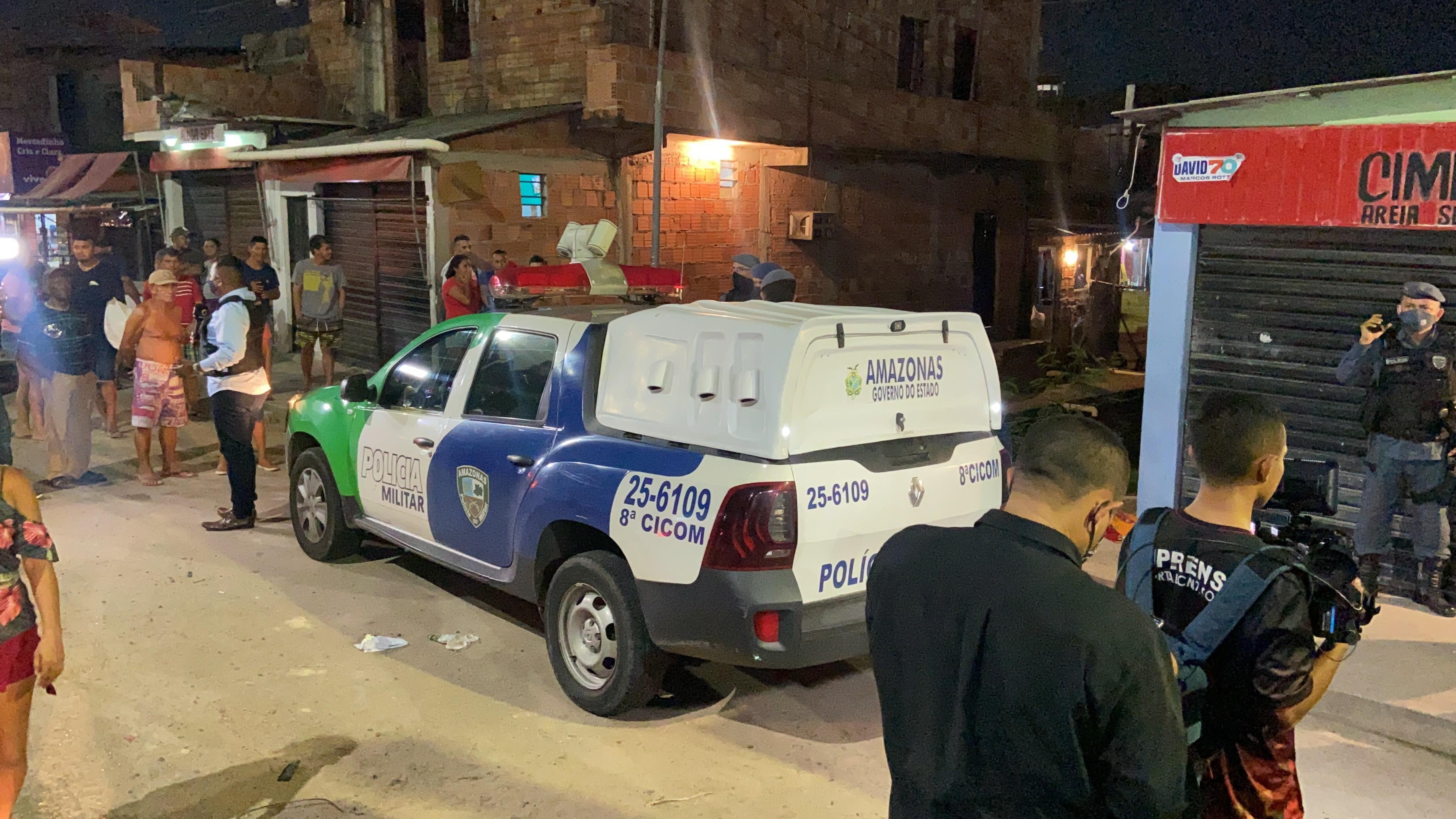 Homem é morto a tiros na esquina de beco em Manaus