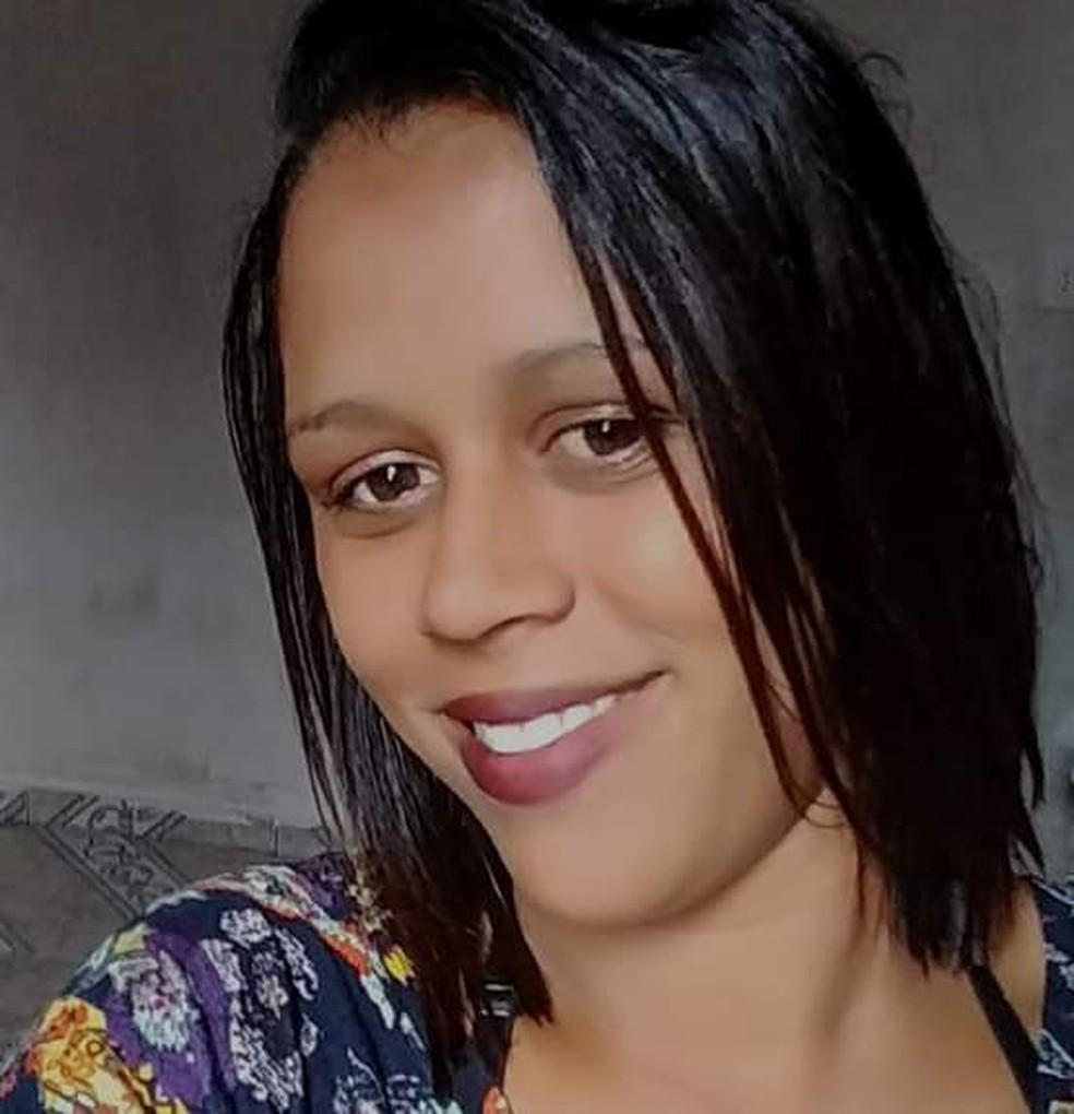 Vanderléia foi atingida por três disparos na frente dos filhos em Sete Barras, SP — Foto: Arquivo Pessoal