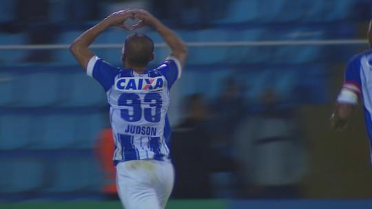 """Feliz por golaço, Judson conta detalhes do chute: """"Renato falou para queimar"""""""