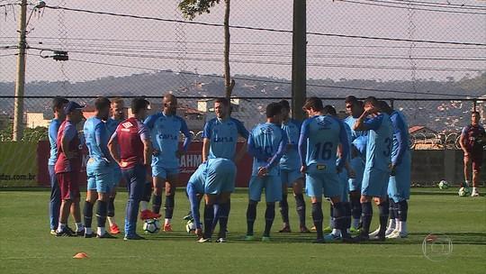 Apesar de chances criadas, Henrique vê insegurança do Cruzeiro com falta de gols