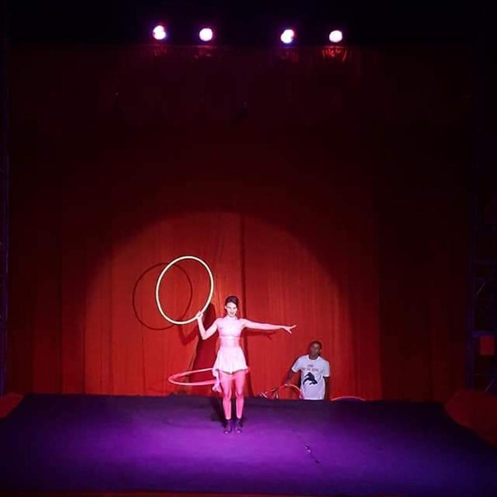 Artista se apresenta no circo Vitória, no Guará, em imagem de arquivo — Foto: Arquivo pessoal